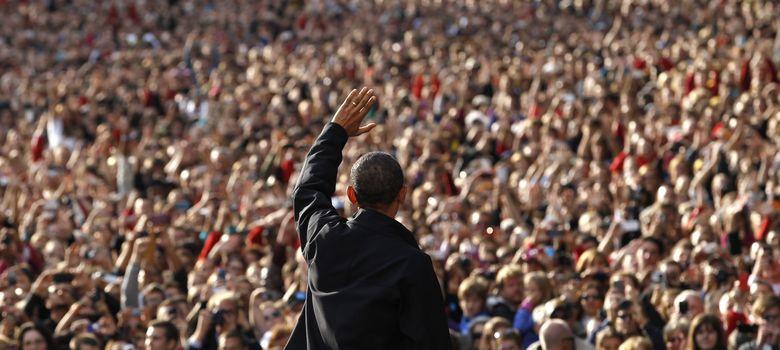 Foto: El presidente de EEUU, Barack Obama, saluda a la multitud durante un mitin electoral en Wisconsin. (Reuters)