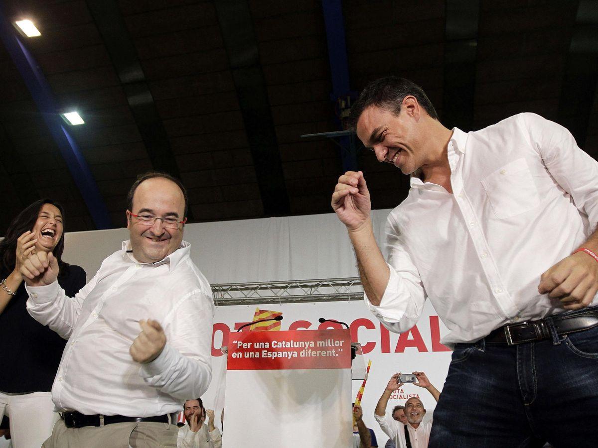 Foto: Iceta baila con Sánchez en un mitin en 2015. (EFE)
