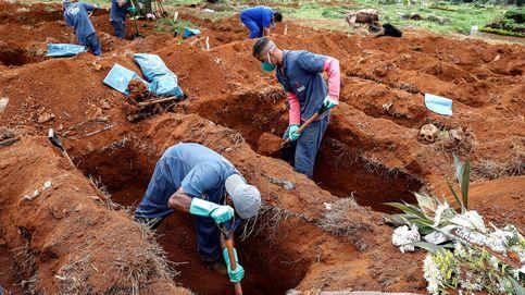 Exhumaciones contrarreloj en el mayor cementerio de Latinoamérica
