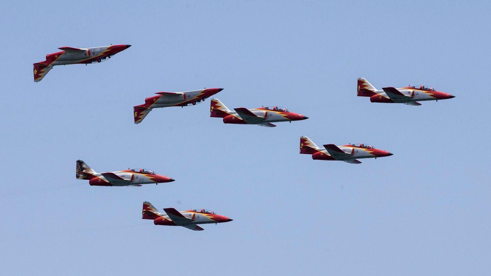 Foto: Aviones C101 que forman la patrulla Águila, en una imagen de 2018 en Murcia. (EFE)