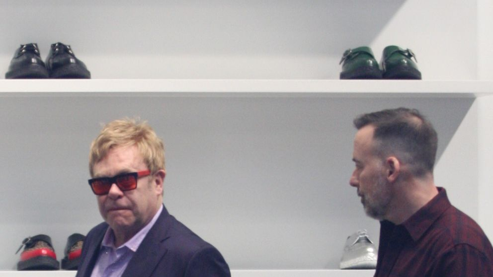 Elton John y David Furnish, una pareja de 'shopping' por Los Ángeles