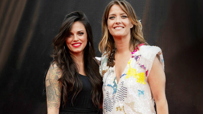 María Casado posa, por primera vez, junto a su novia Martina. (Contacto)