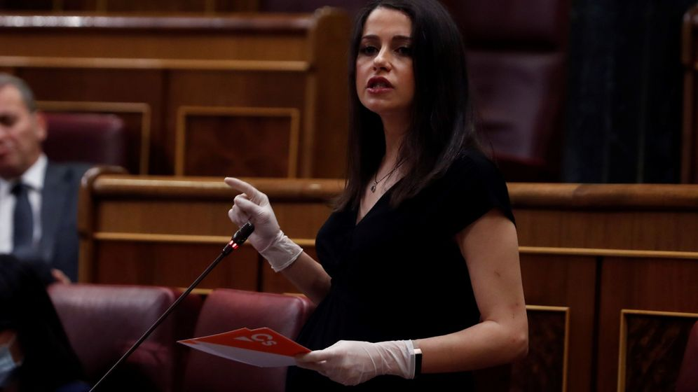 Foto: Inés Arrimadas, en su escaño del Congreso, durante el pleno del miércoles. (EFE)