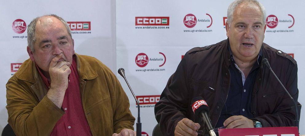 Foto: Los secretarios regionales de UGT y CCOO de Andalucía, Manuel Pastrana (i) y Francisco Carbonero (d) (Efe)
