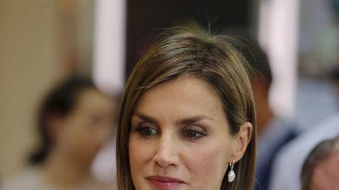 La Reina estrena una cartera de mano de 16 euros para visitar Comayagua