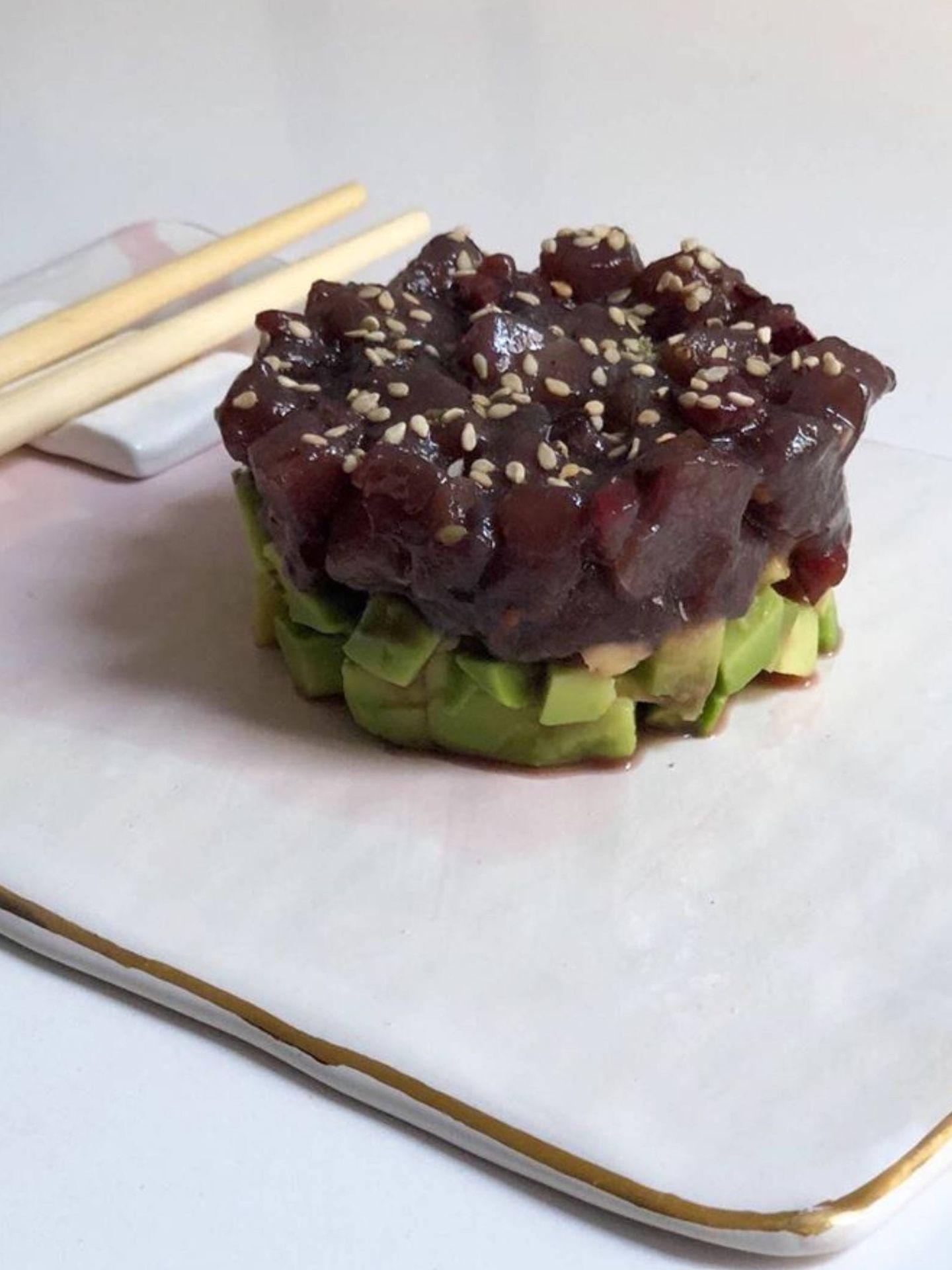 Tartar de atún y cerezas. (Instagram @foodtropia)