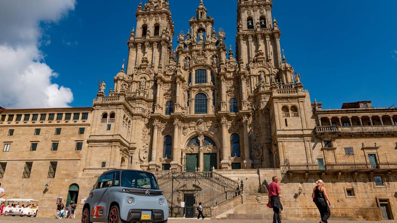 Punto y final. El Citroën Ami ha completado la ruta de Roncesvalles a Santiago sin problema alguno. Lento, pero seguro. Y muy ecológico.