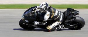 Gibernau protagoniza el estreno de MotoGP 2009