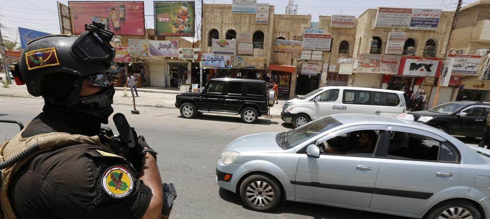 Foto: Un miembro de las fuerzas especiales iraquíes desplegado en las calles de Bagdad el pasado 18 de junio. (Reuters)