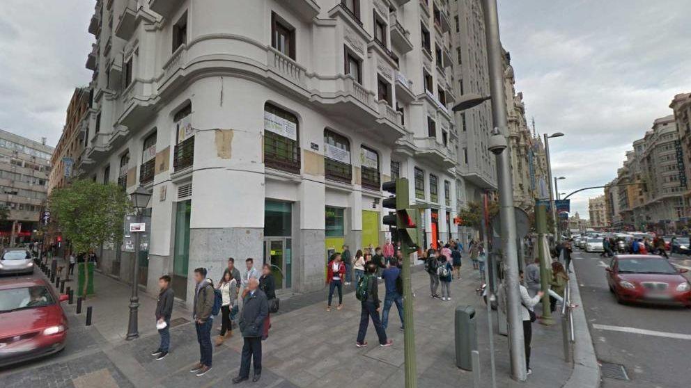 Axa compra el edificio del cine rex en gran v a para hacer for Oficinas axa madrid