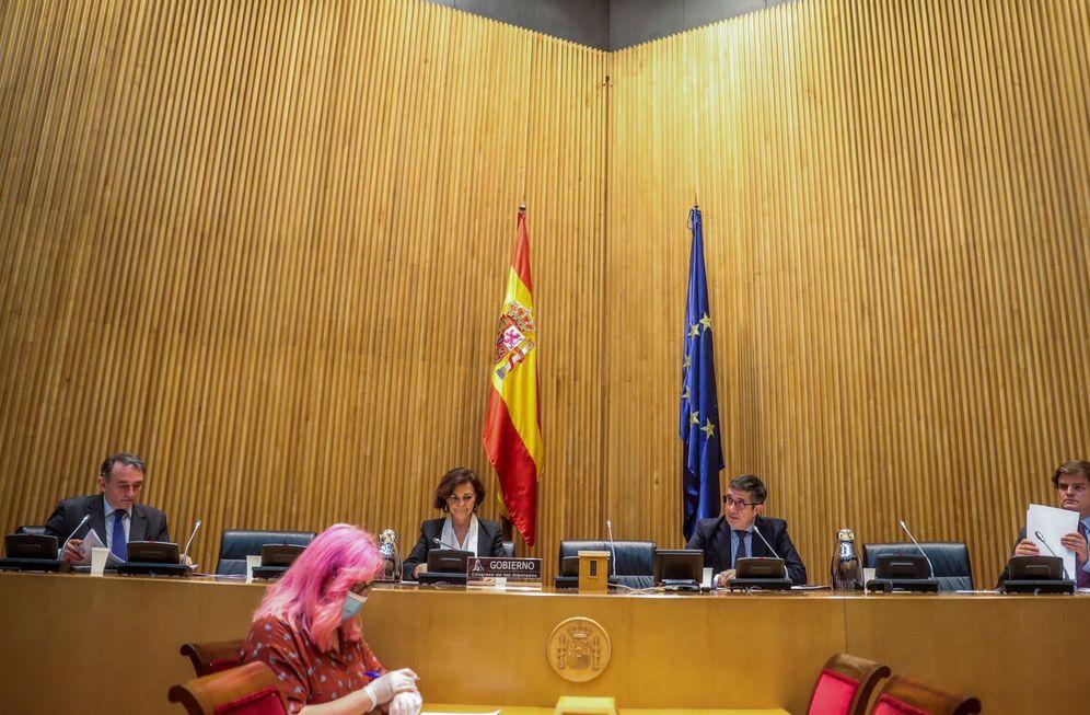 Foto: La vicepresidenta primera, Carmen Calvo, este 26 de mayo en la Comisión de Reconstrucción del Congreso, este 26 de mayo. (EFE)
