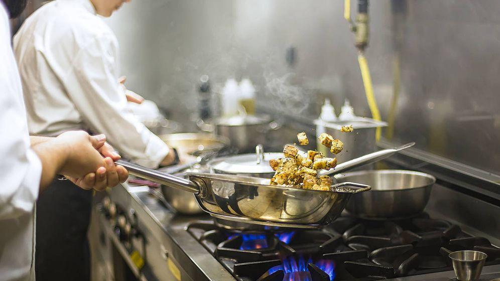 Foto: Un cocinero profesional, un oficio sin paro. (iStock)