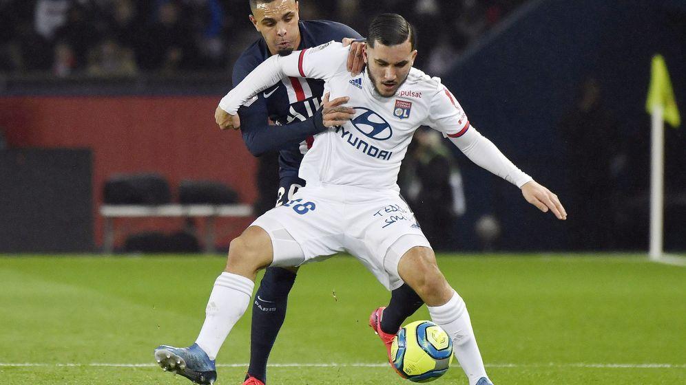 Foto: Rayan Cherki en uno de los partidos de liga frente al PSG. (EFE)