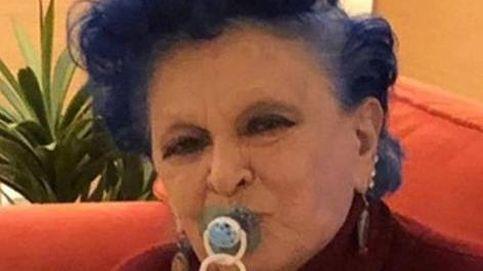 La polémica de la foto de Lucía Bosé con el chupete del bebé de María Zurita