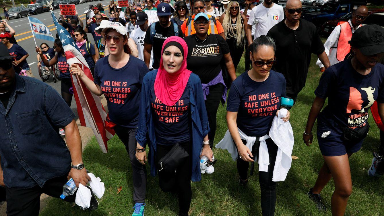 Foto: Imagen de una marcha contra la armas desde la sede de la Asociación Nacional del Rifle, en Virginia, hasta Washington. (Reuters)