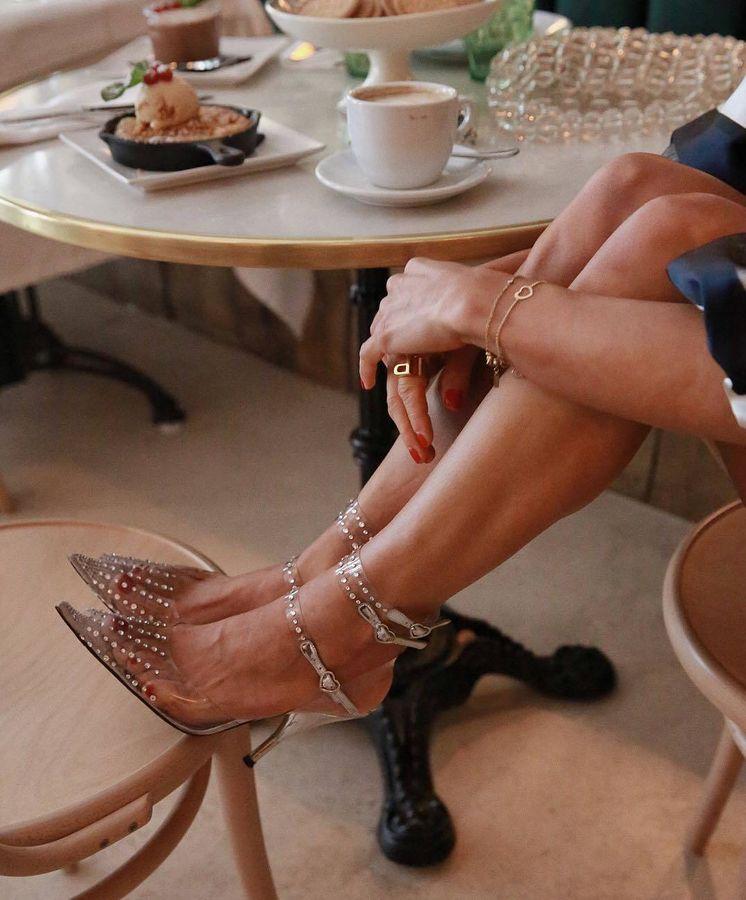 Foto: La influencer Paula Ordovás ya lleva sandalias transparentes. (Instagram)