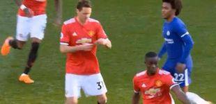 Post de ¿Qué ponía la nota que Mourinho dio a Matic ante el Chelsea? El serbio lo desvela