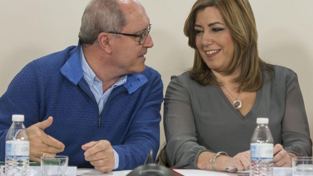 Foto: Juan Cornejo y Susana Díaz, durante una reunión de la ejecutiva del PSOE-A del pasado 20 de enero. (EFE)