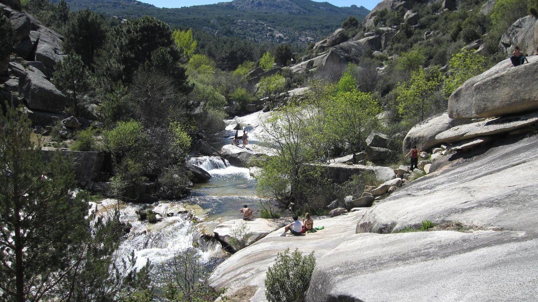 Las piscinas m s singulares de madrid para refrescarse en for Piscinas verano madrid