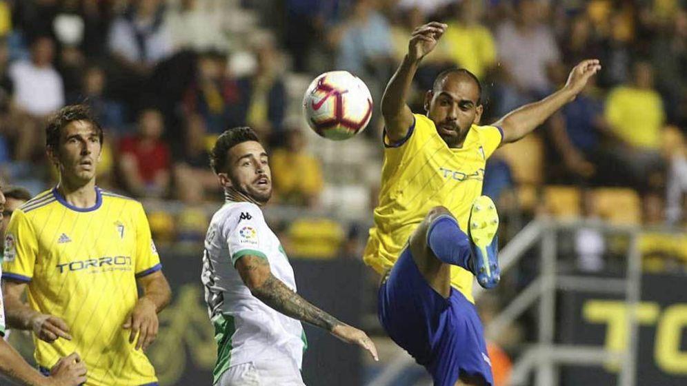 Foto: Fali durante un partido con el Cádiz en el estadio Ramón de Carranza