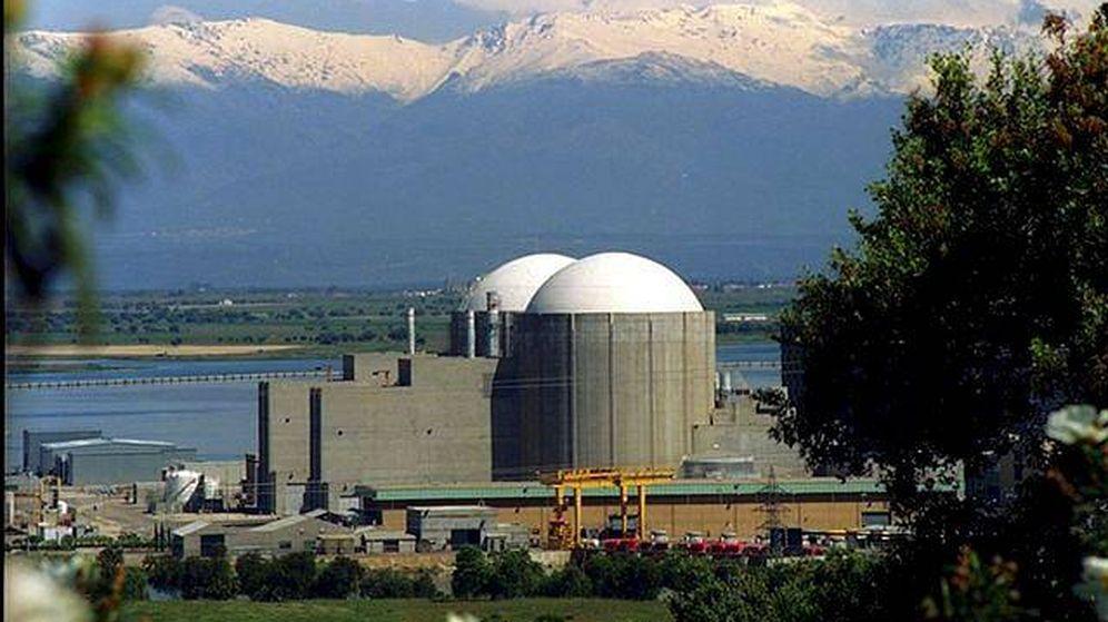 Foto: Fotografía de archivo del exterior de la central nuclear de Almaraz. (EFE)