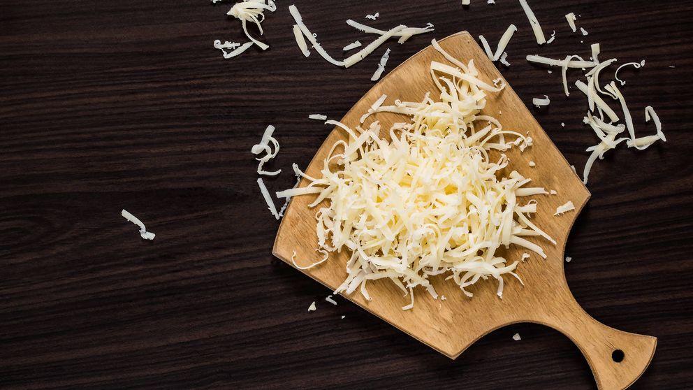 Ten cuidado cuando compres queso rallado: a veces es otra cosa