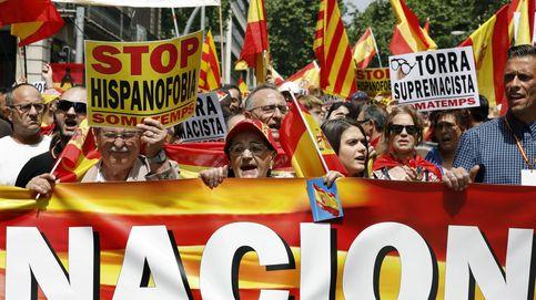 La marcha contra el separatismo acaba colocando banderas de España en la playa