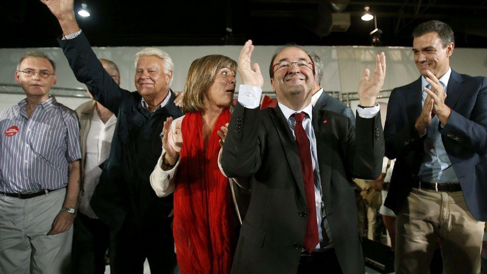 Foto: El candidato del PSC a la presidencia de la Generalitat, Miquel Iceta (c), durante el acto de campaña celebrado en L´Hospitalet. (EFE)