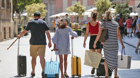 Cómo ahorrar en vacaciones con los seguros de viaje y los cambios de moneda