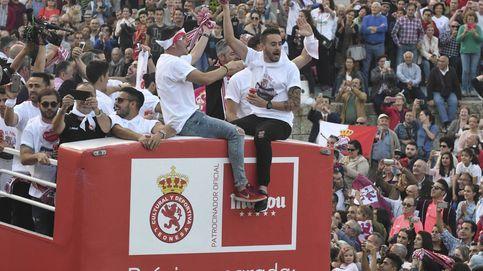 La Cultural Leonesa celebra su ascenso a Segunda división