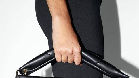 Si no te puedes permitir un Hobo de Chanel, ¡Zara tiene la solución con este maxi bolso!