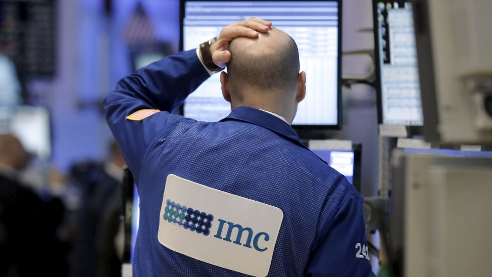 Foto: Trader preocupado en Wall Street. (Reuters)
