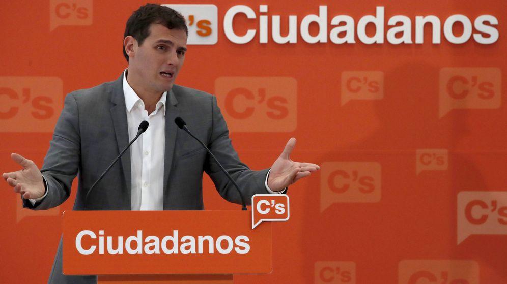 Foto: El líder de Ciudadanos, Albert Rivera, durante la rueda de prensa posterior a la reunión de la ejecutiva nacional del partido. (EFE)