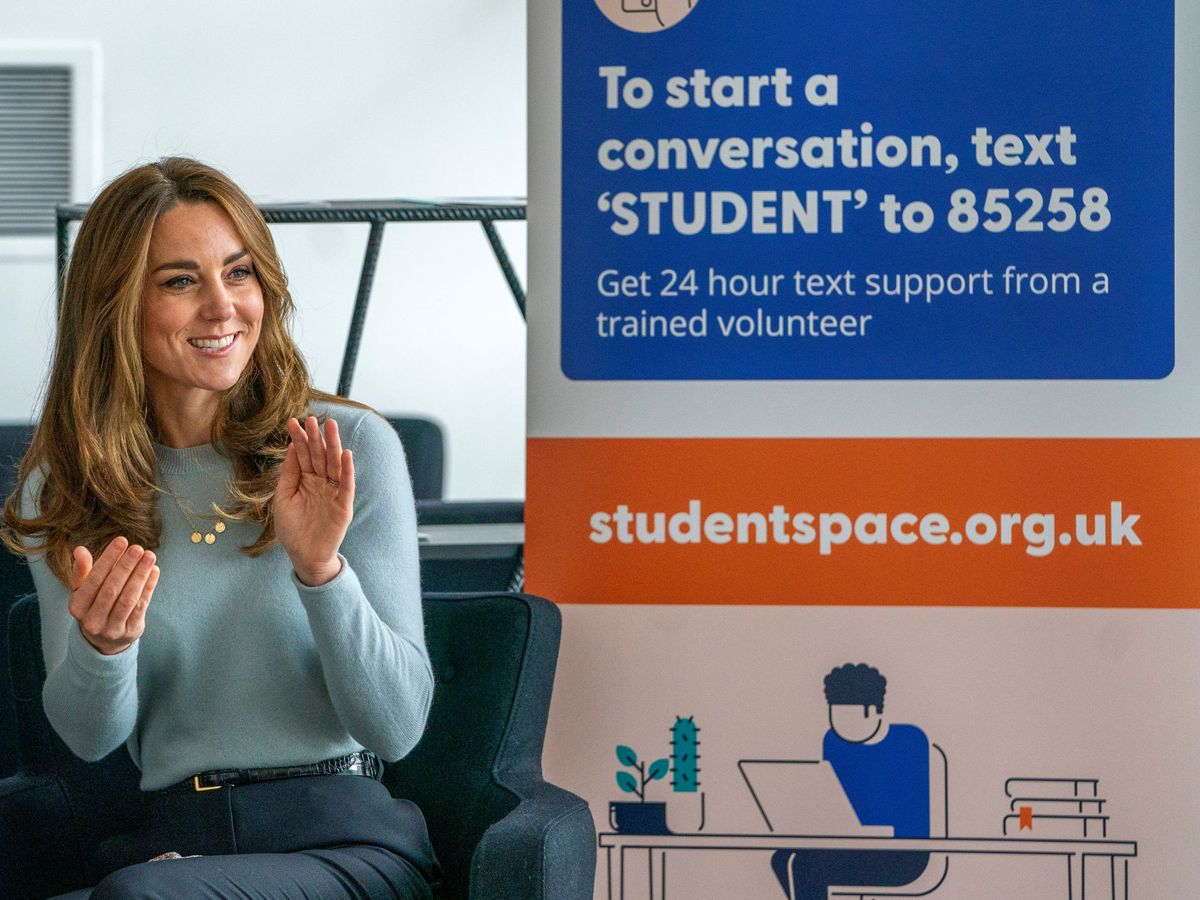 Foto: Kate Middleton, este martes en la Universidad de Derby. (Reuters)
