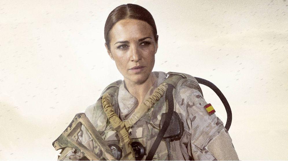 Foto: Paula Echevarría, protagonista de 'Los nuestros 2', también de verde, pero militar. (Telecinco)