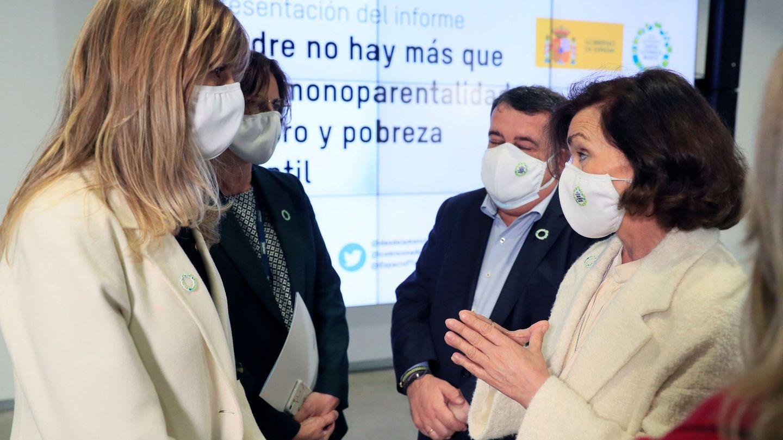 Begoña Gómez y la vicepresidenta del Gobierno, Carmen Calvo. (EFE)