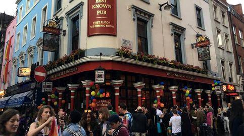 Beber una pinta desnudo es posible: los nudistas ya tienen su pub en Londres