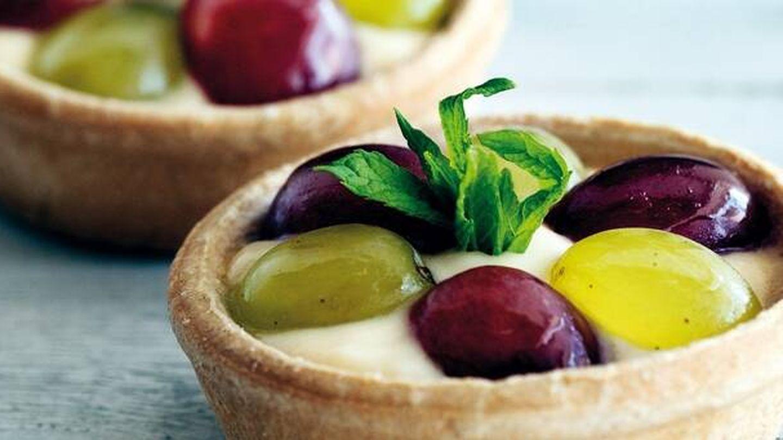 Tartitas de uva con mascarpone. (APTC)