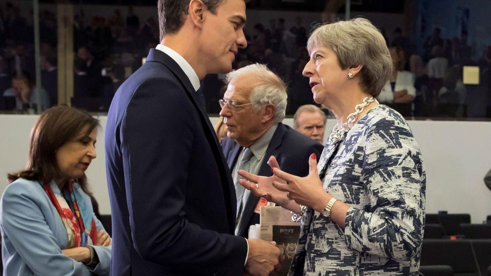 Así fue la conversación May-Sánchez: Te pido apoyo ante mi fragilidad política