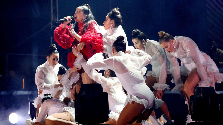 GRAF9233. MADRID, 31 10 2018.- La cantante Rosalía actúa en un concierto gratuito en la madrileña plaza de Colón para presentar su segundo disco, 'El mal querer', cuyo primer sencillo, 'Malamente', ya tiene 34 millones de escuchas en Spotify y el segundo, 'Pienso en tu mirá', 16 millones. EFE J.P. Gandul