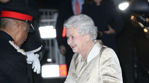 La extrema palidez de Isabel II desata la polémica: ¿le pasa algo a la reina?