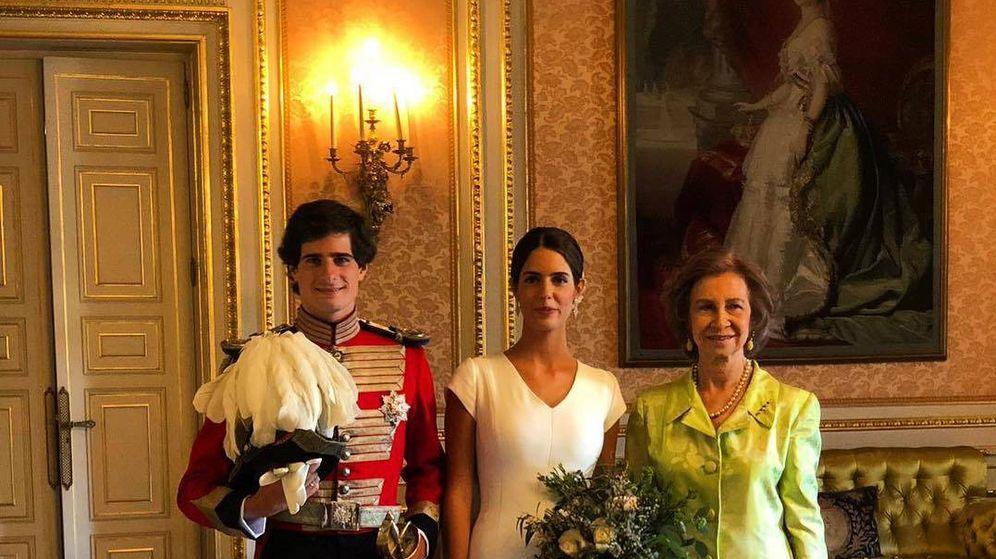 Foto:  La reina Sofía, con los recién casados. (Instagram)