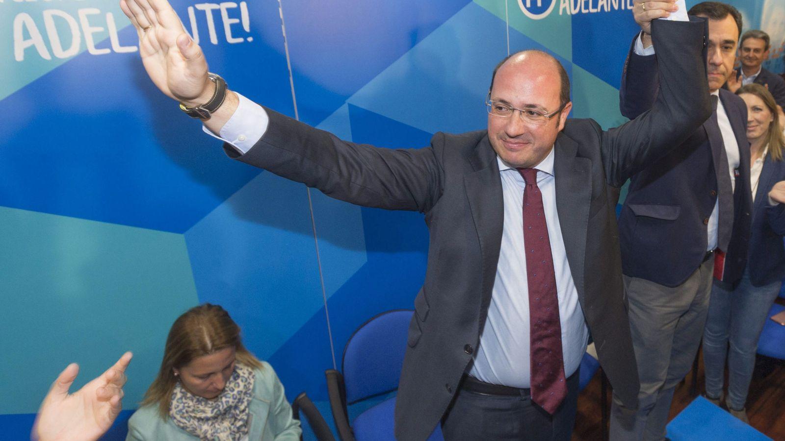 Foto: Pedro Antonio Sánchez junto a Martínez Maillo. (EFE)