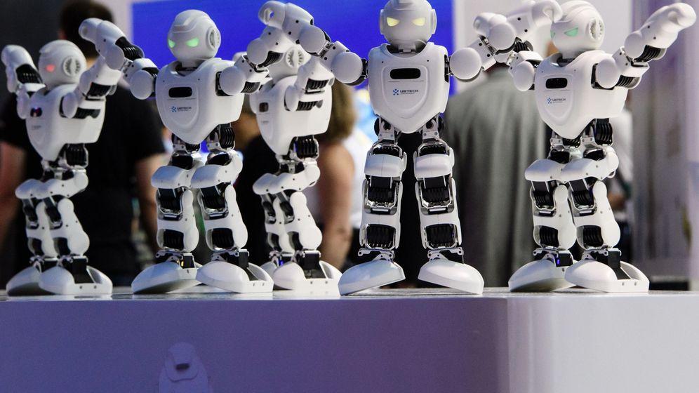 Foto: Robots Alpha 1E bailan en el 'stand' de Segway en la Feria de Tecnología IFA de Berlín. (EFE)