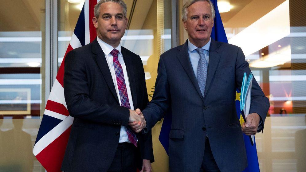 Foto: El ministro británico para el Brexit, Stephen Barclay, junto al negociador de la UE Michel Barnier. (EFE)