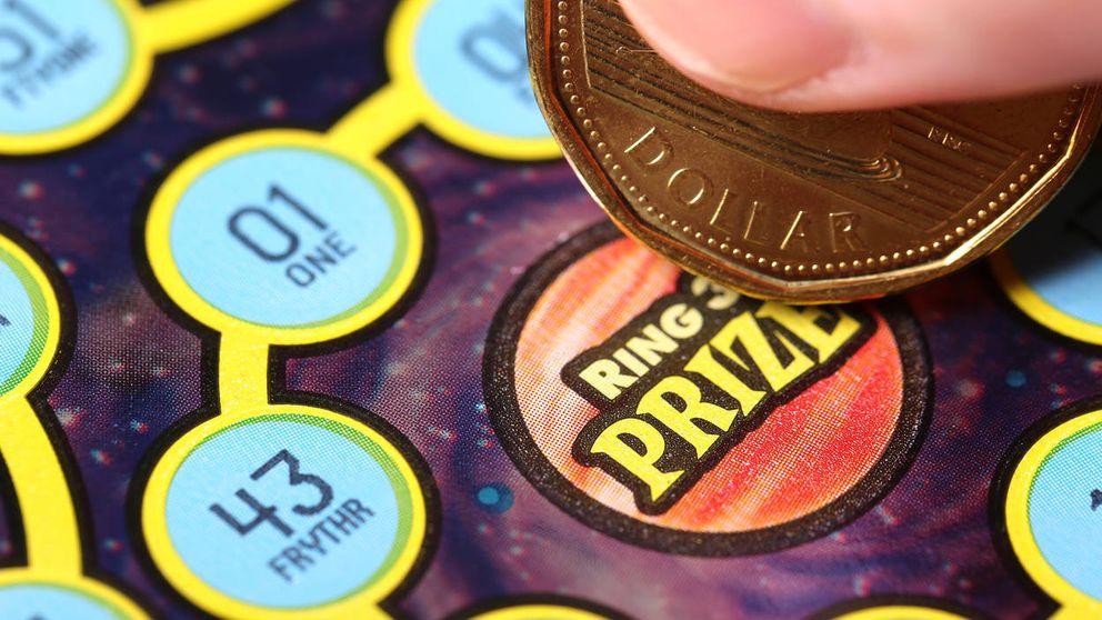 Paró a echar gasolina, se tomó un café y le tocaron 5 millones en la lotería