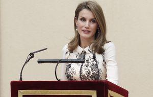 Semana crucial para la Reina : viaje oficial en solitario y cena de gala