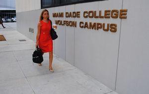 Profesora Carme Chacón: así vive la exministra en Miami
