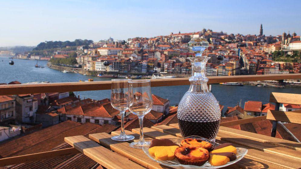 Foto: Ideales para disfrutar frente al Duero en Oporto. (iStock)