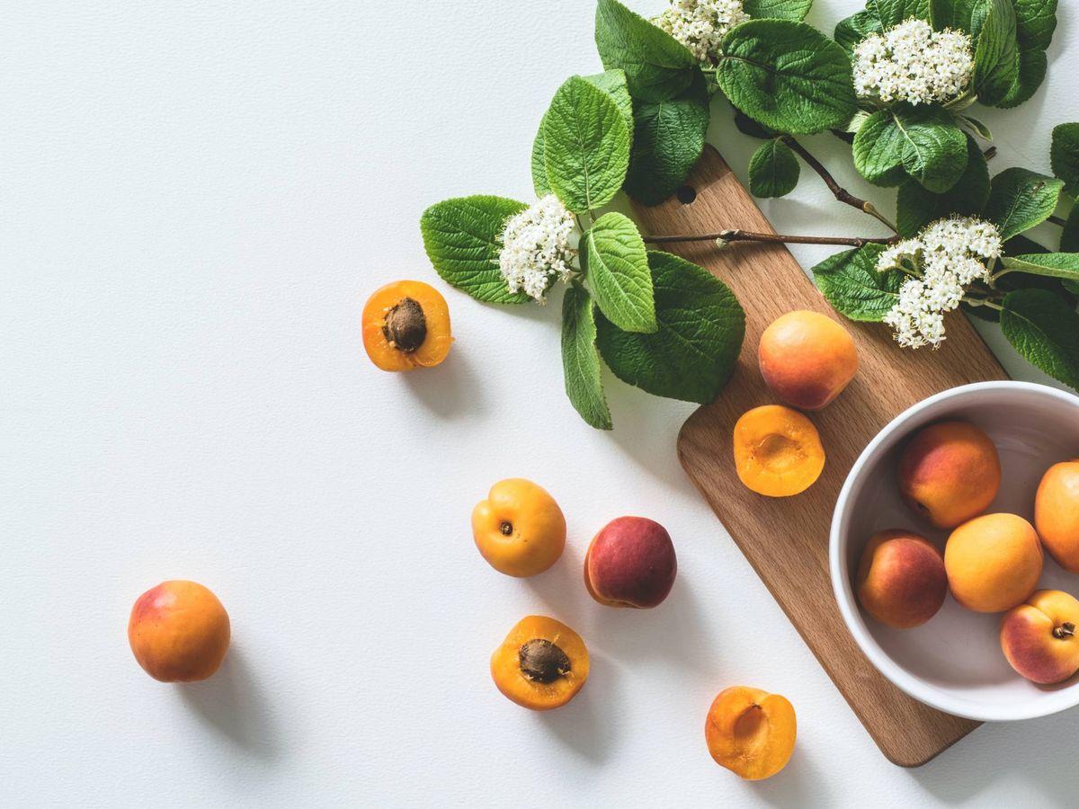 Foto: La dieta del melocotón para adelgazar. (LUM3N para Unsplash)